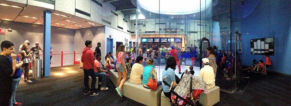 A shot of iFLY Houston Memeorial during business hours.